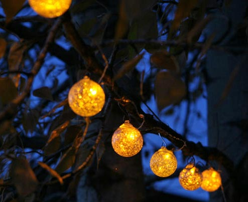Aurora-Glow-Solar-String-Lights-from-Exterior-Accents